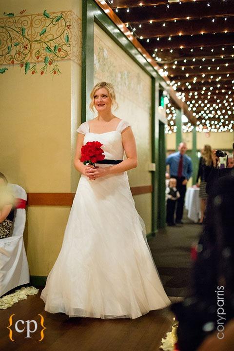 Edgefield-wedding-in-Portland-by-seattle-photographer-Cory-Parris-017.jpg