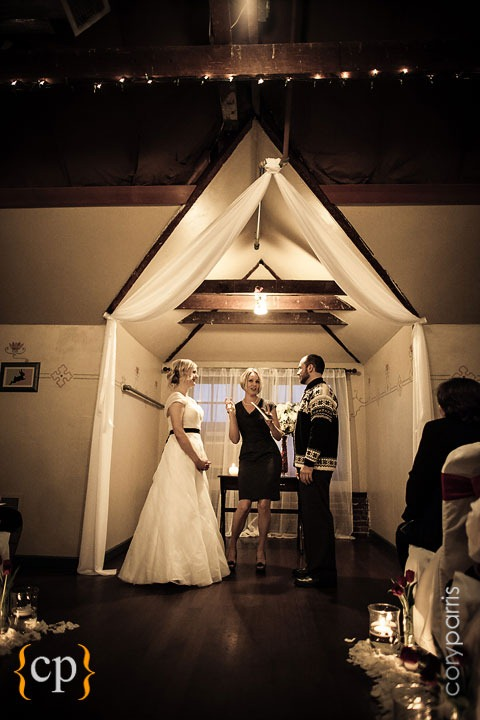 Edgefield-wedding-in-Portland-by-seattle-photographer-Cory-Parris-018.jpg