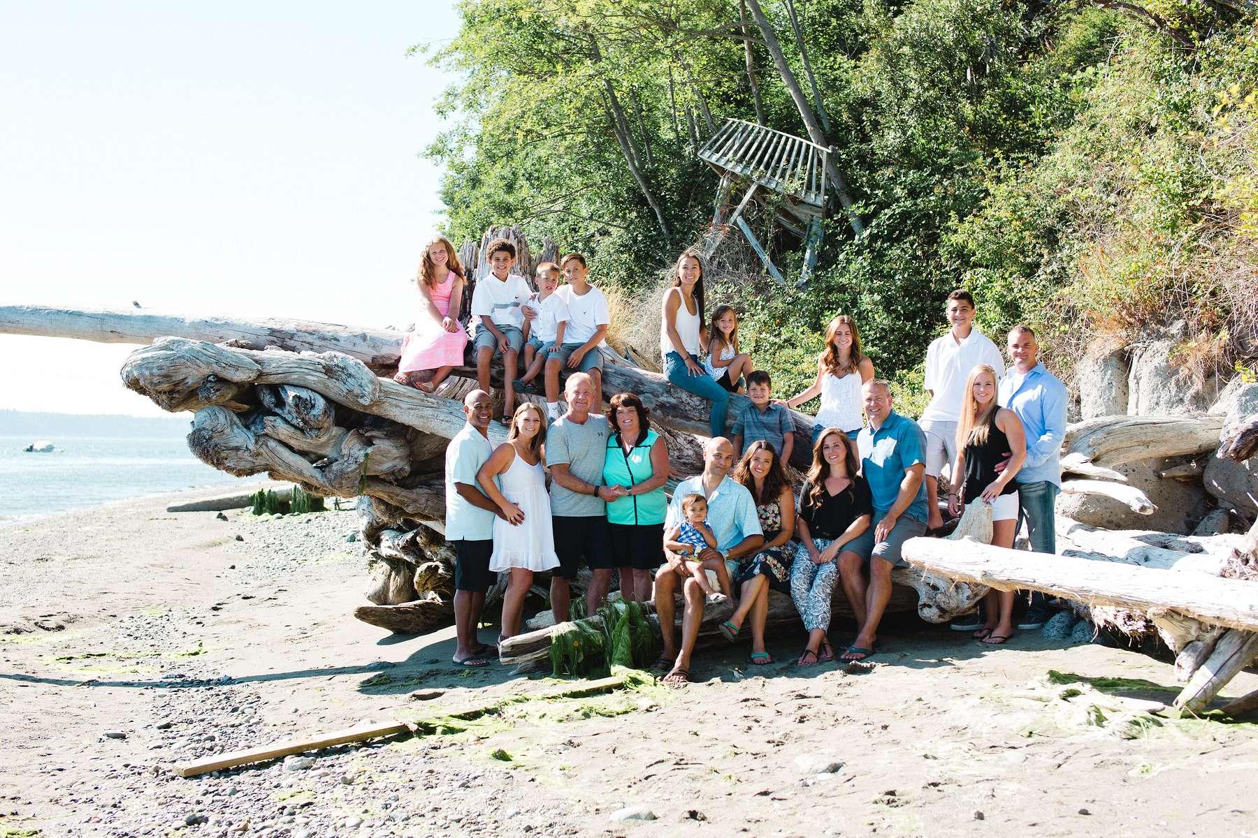 Family reunion portraits on the beach!