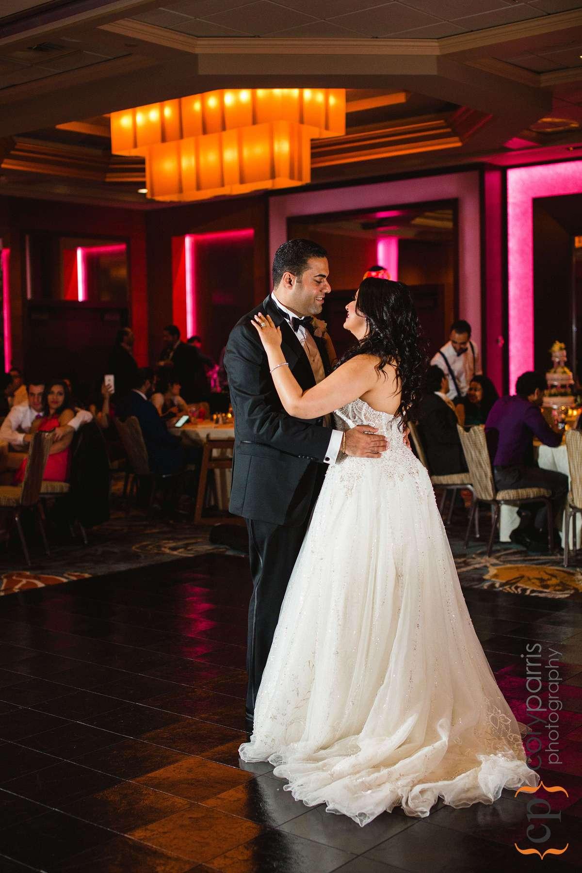 641-bellevue-club-wedding-photography.jpg