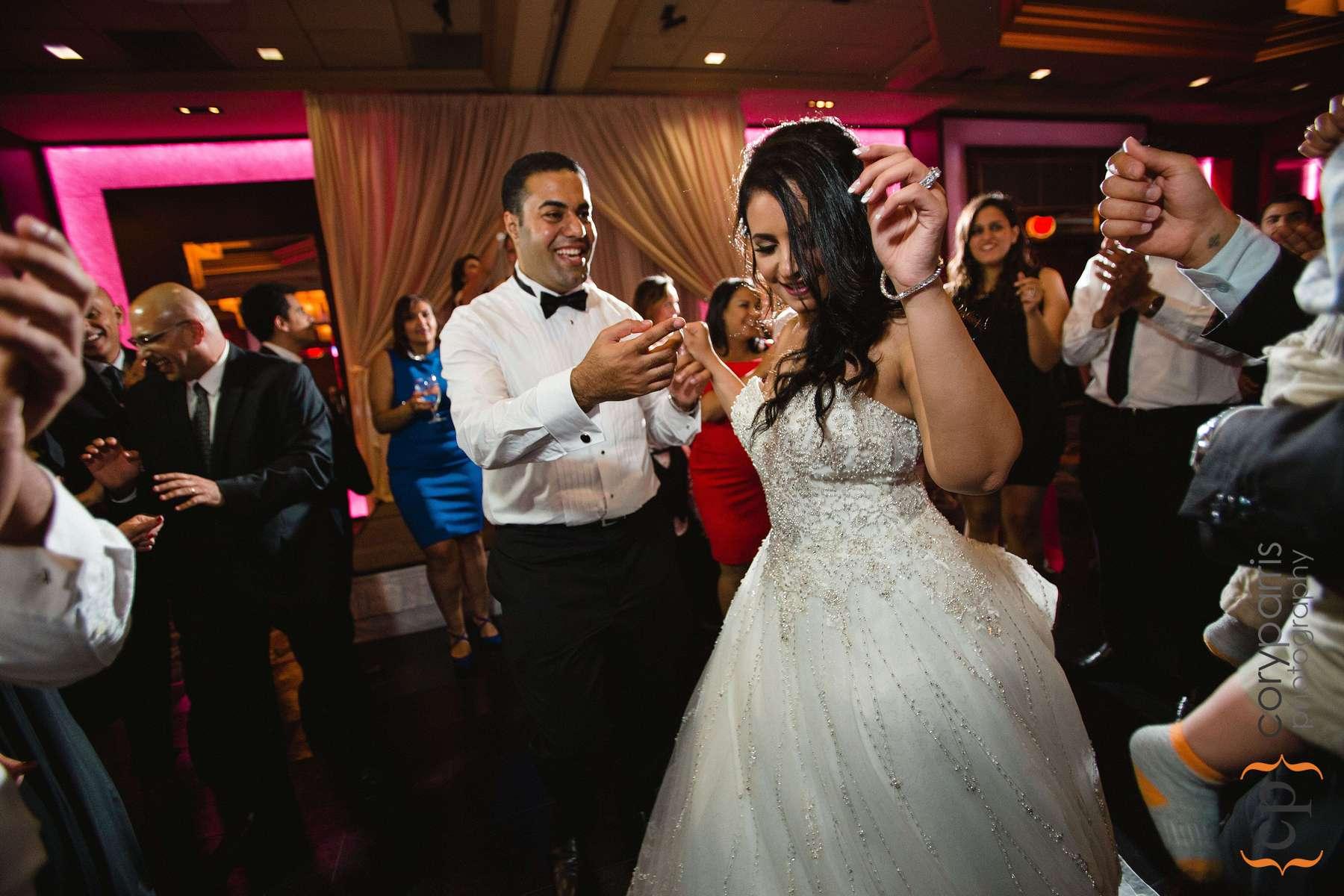 693-bellevue-club-wedding-photography.jpg
