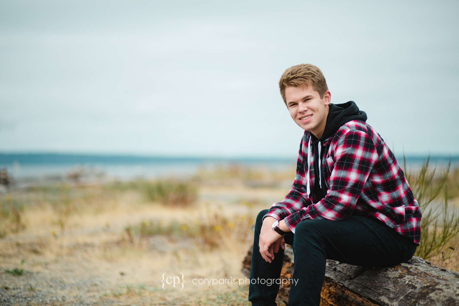 156-edmonds-beach-senior-portraits.jpg