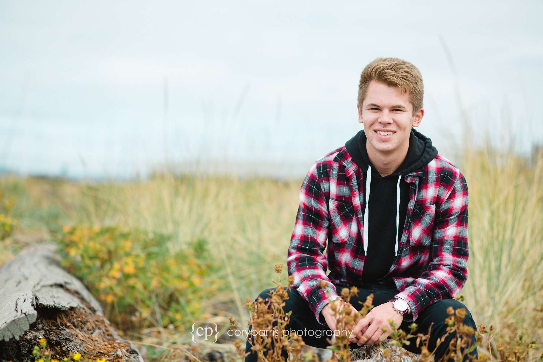 203-edmonds-beach-senior-portraits.jpg
