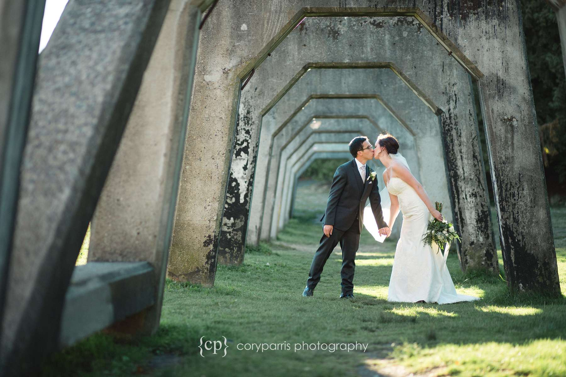 Angie and Vinh kiss at Gas Works Park.