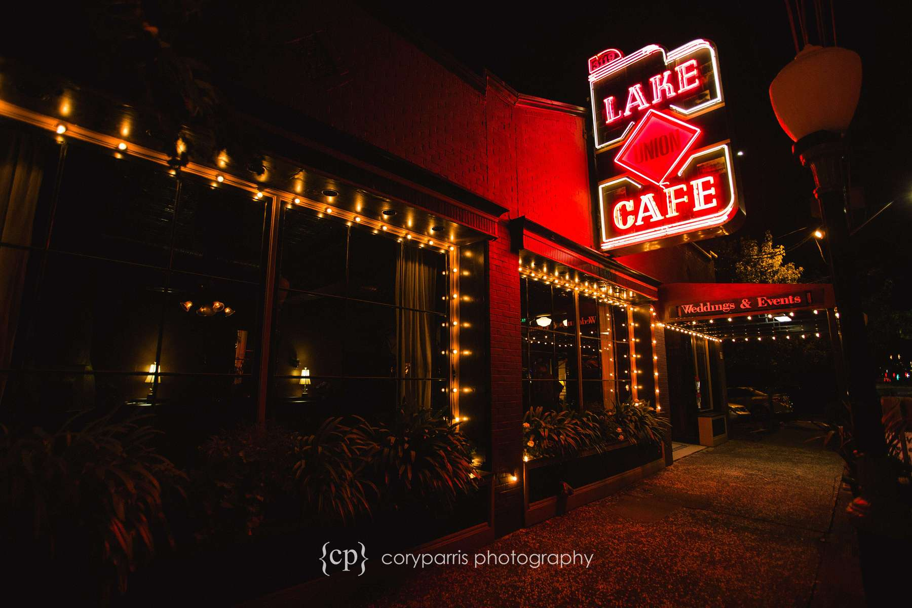 Lake Union Cafe wedding venue in Seattle