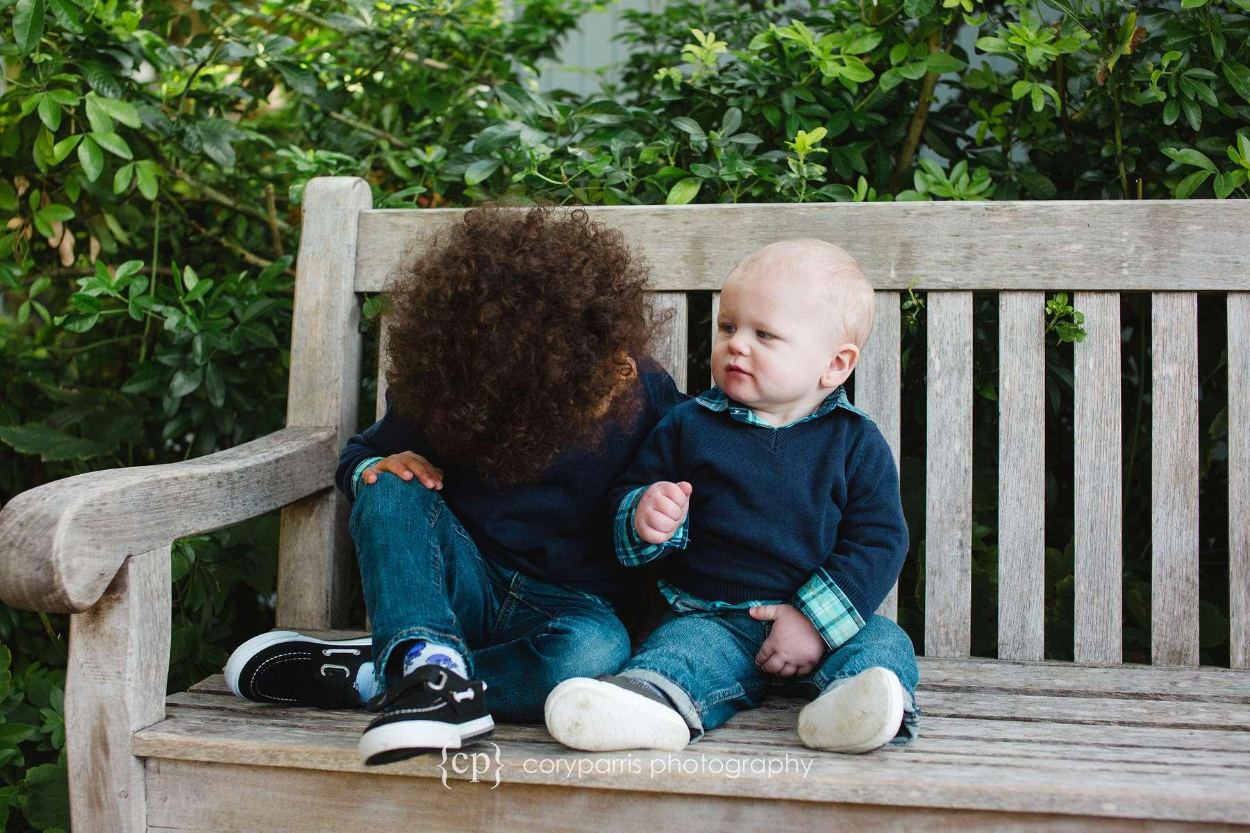 Cute kids at bellevue botanical garden photographer