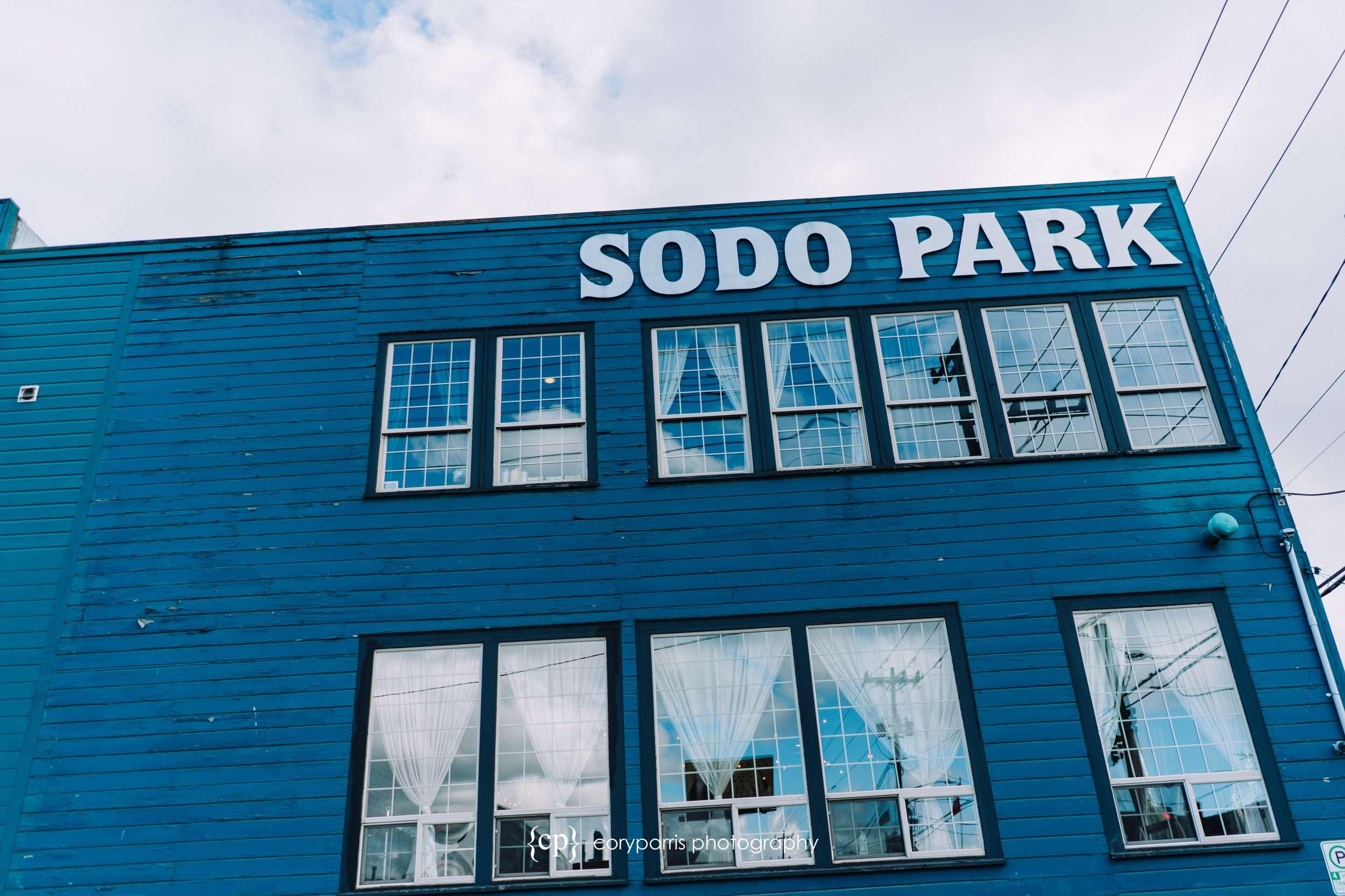 012-SODO-park-wedding-venue-seattle.jpg