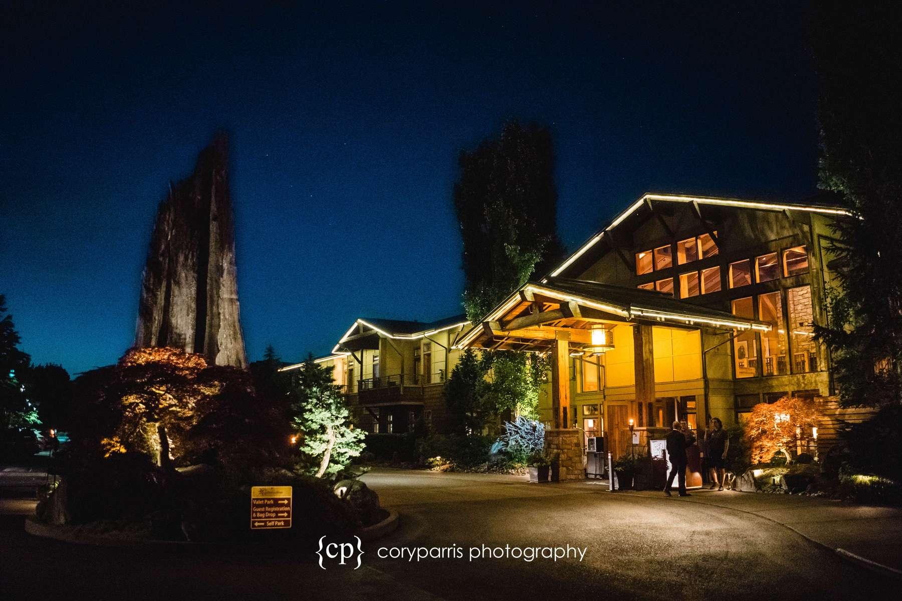 Willows Lodge at night.