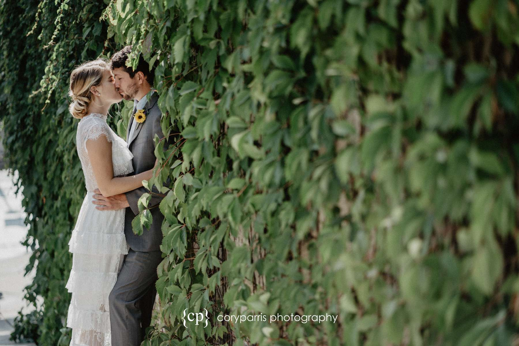 041-Seattle-Elopement-Courthouse.jpg