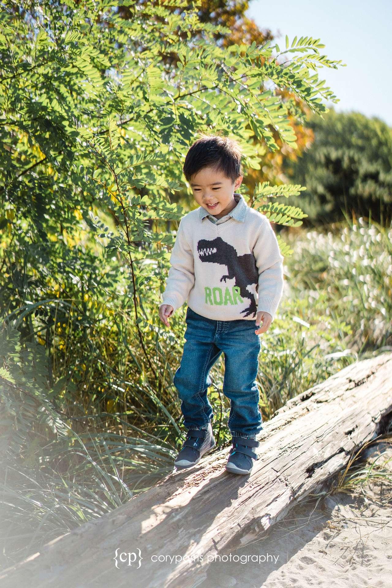 Seattle-family-portraits-golden-gardens-089.jpg