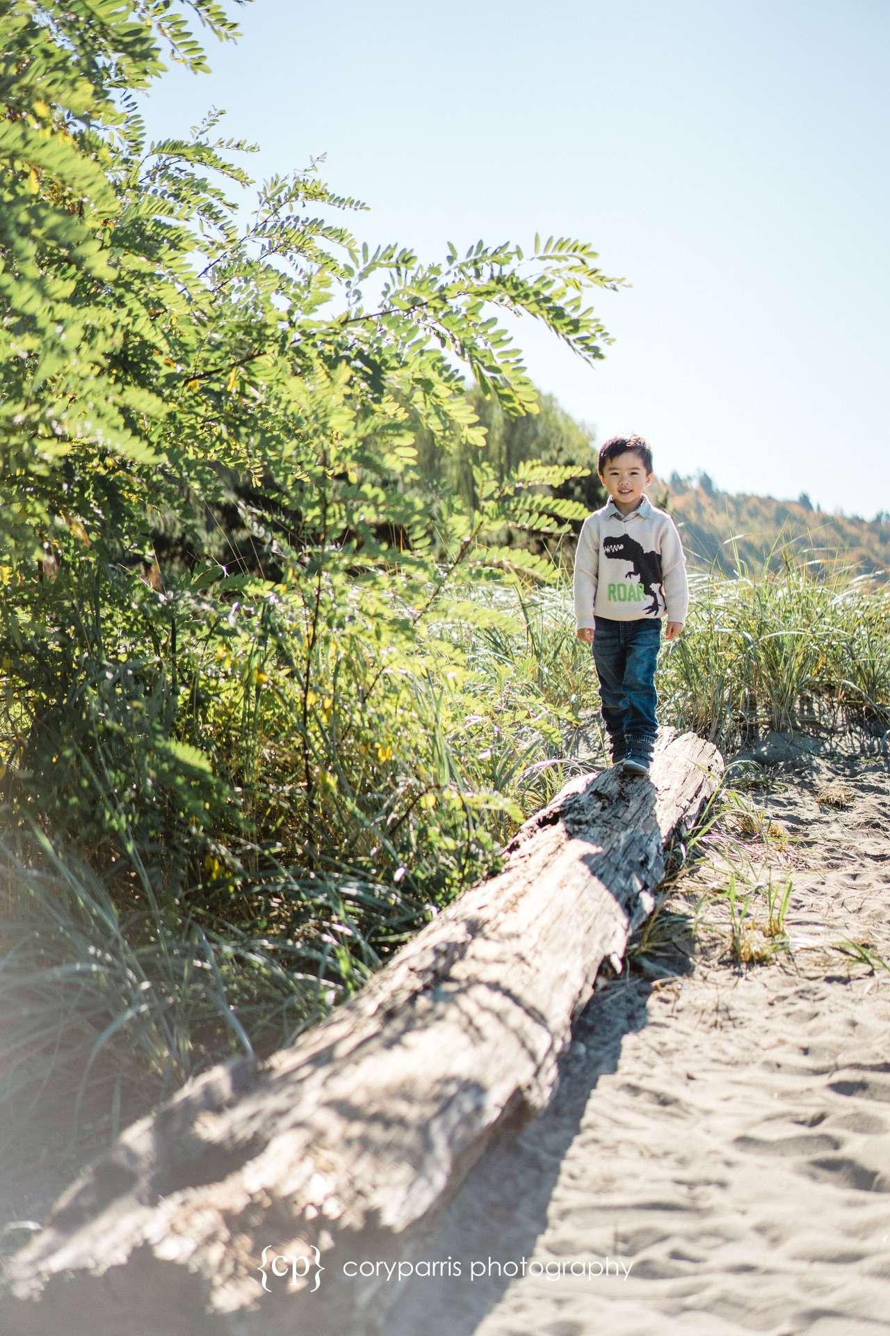 Seattle-family-portraits-golden-gardens-092.jpg