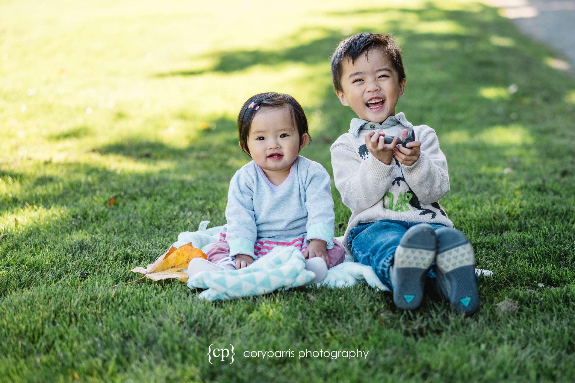 Seattle-family-portraits-golden-gardens-146.jpg