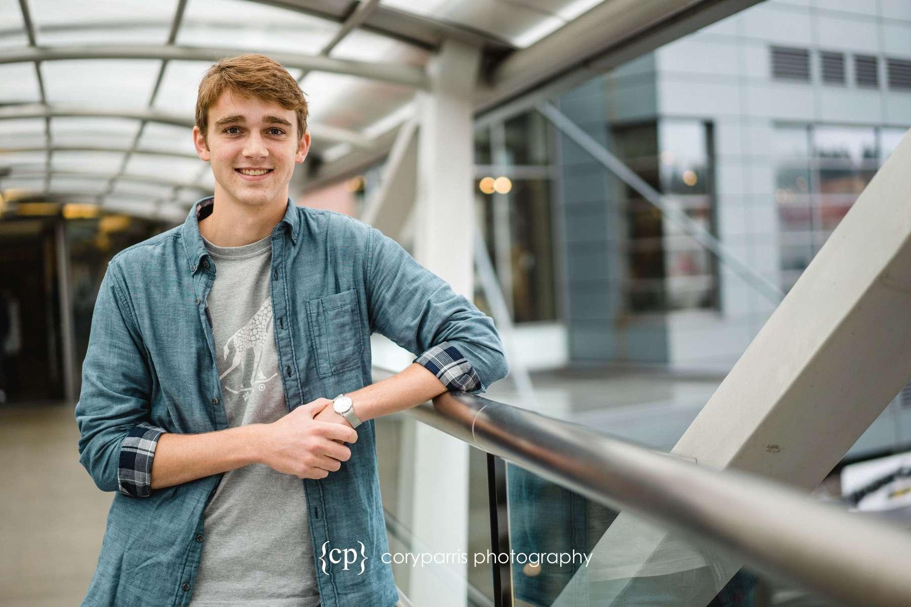 high-school-senior-portraits-belleuve-001.jpg