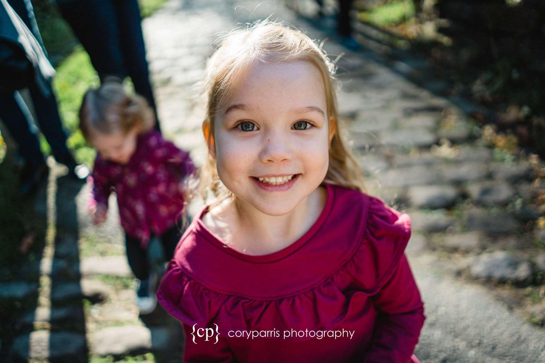 003-seattle-family-portraits-golden-gardens.jpg