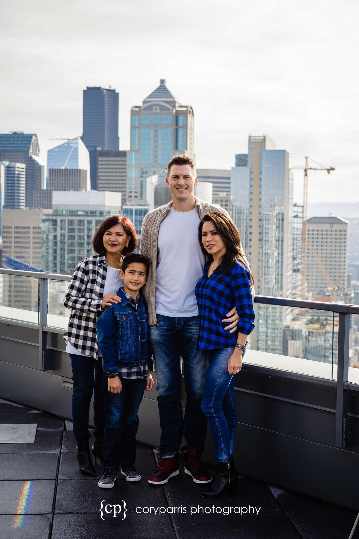009-seattle-family-portraits-Pike-Place.jpg