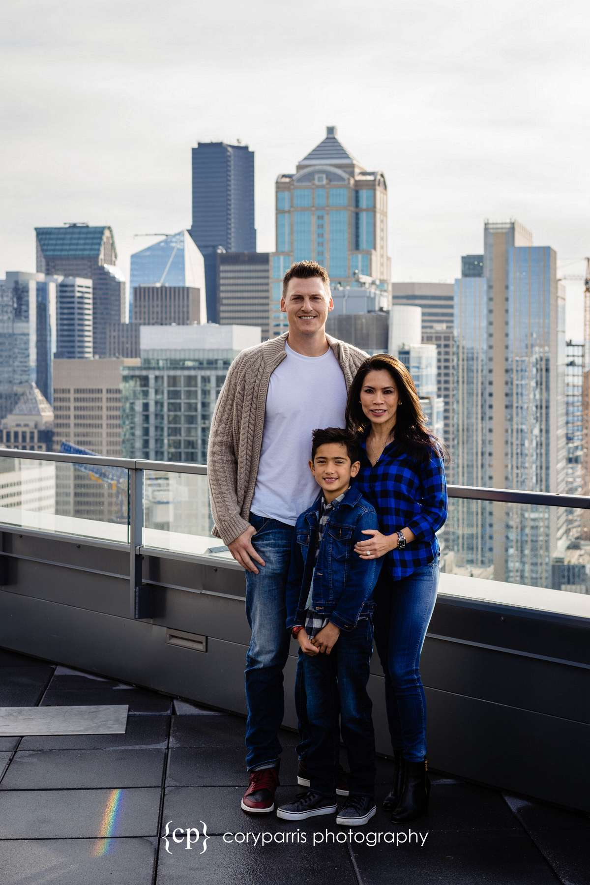 019-seattle-family-portraits-Pike-Place.jpg