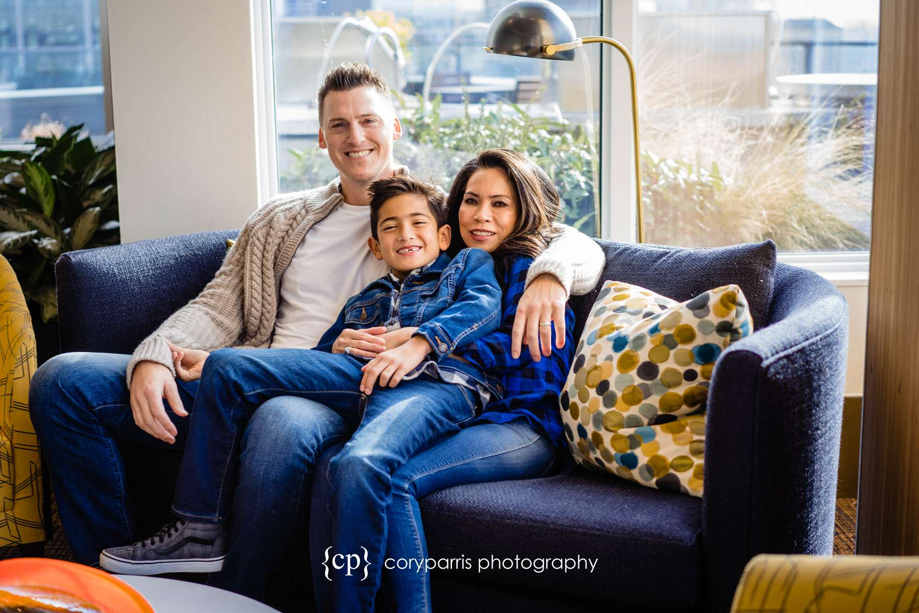040-seattle-family-portraits-Pike-Place.jpg