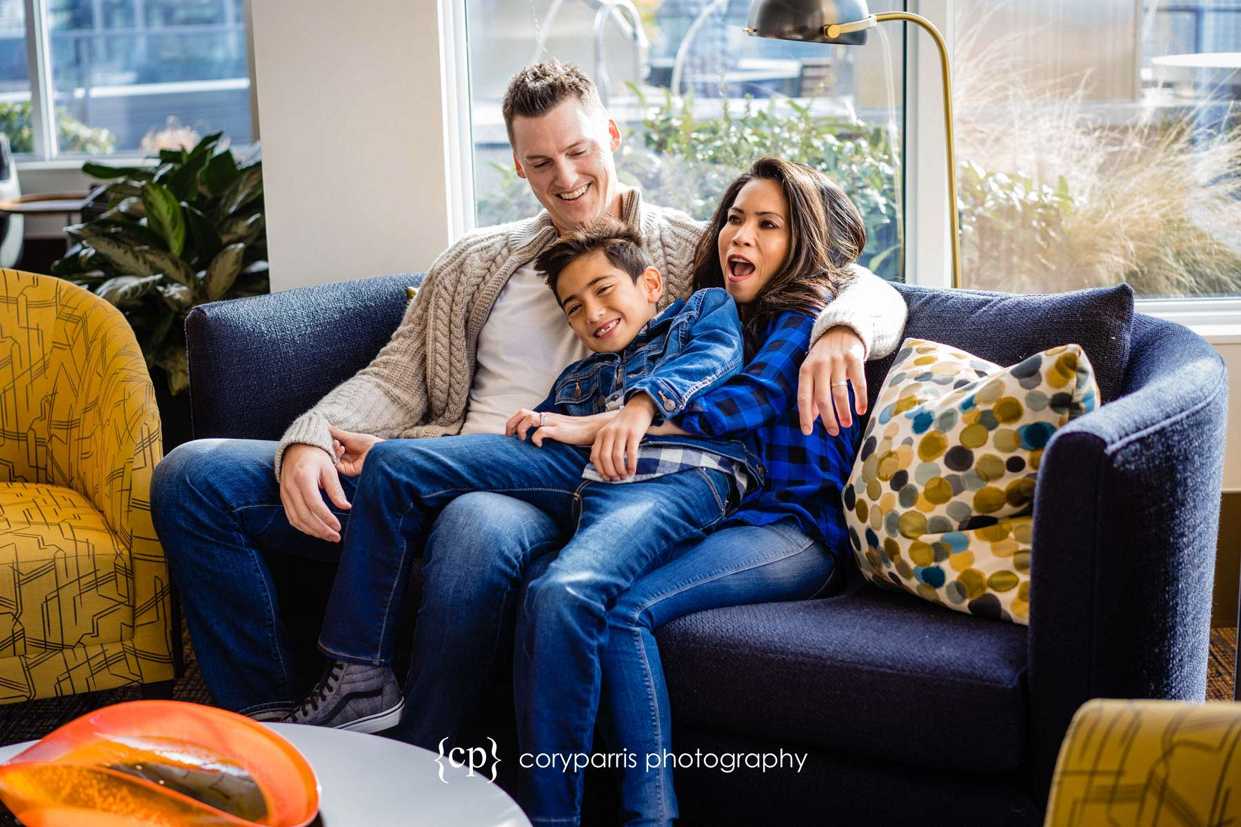 042-seattle-family-portraits-Pike-Place.jpg