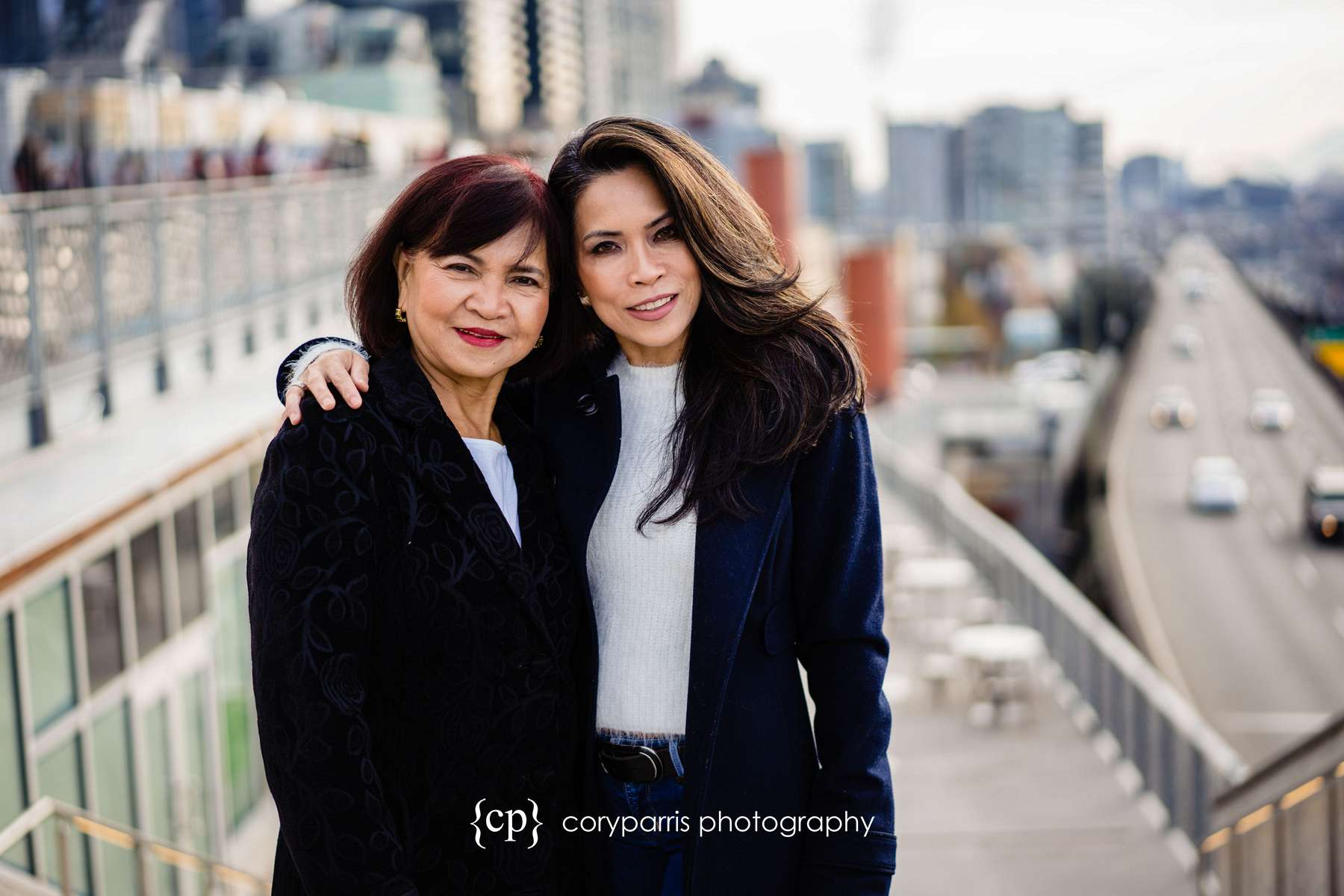 099-seattle-family-portraits-Pike-Place.jpg