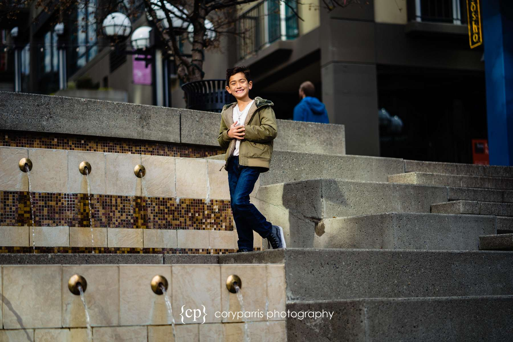 189-seattle-family-portraits-Pike-Place.jpg