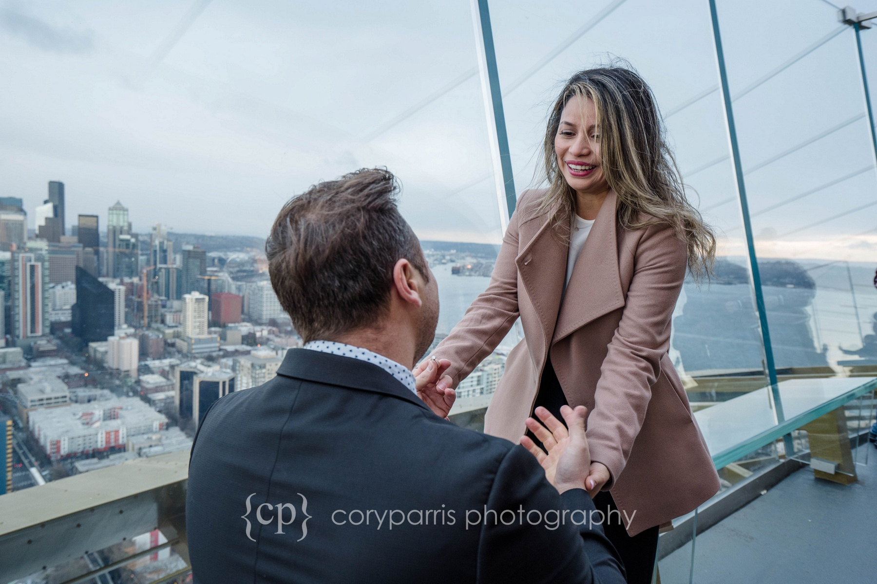 Space-Needle-Wedding-Proposal-0005.jpg