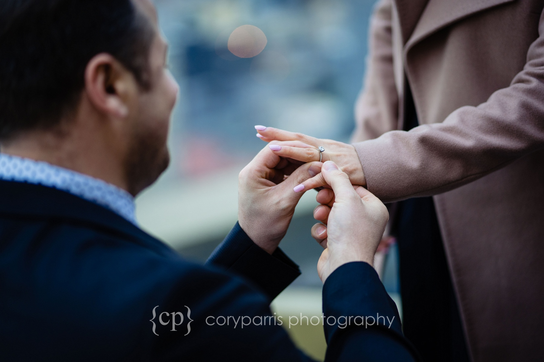 Space-Needle-Wedding-Proposal-0007.jpg