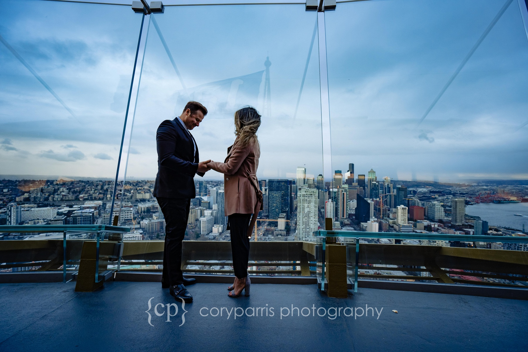 Space-Needle-Wedding-Proposal-0010.jpg