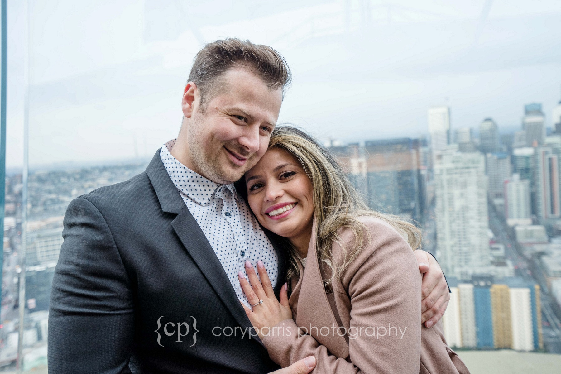 Space-Needle-Wedding-Proposal-0011.jpg