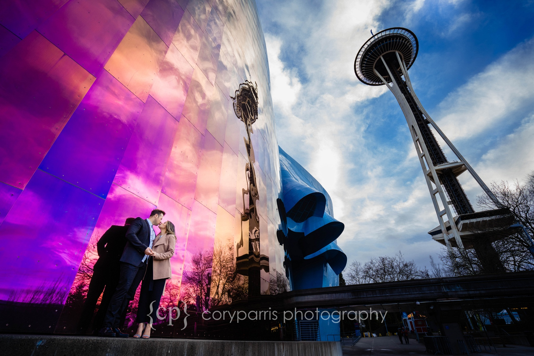 Space-Needle-Wedding-Proposal-0016.jpg