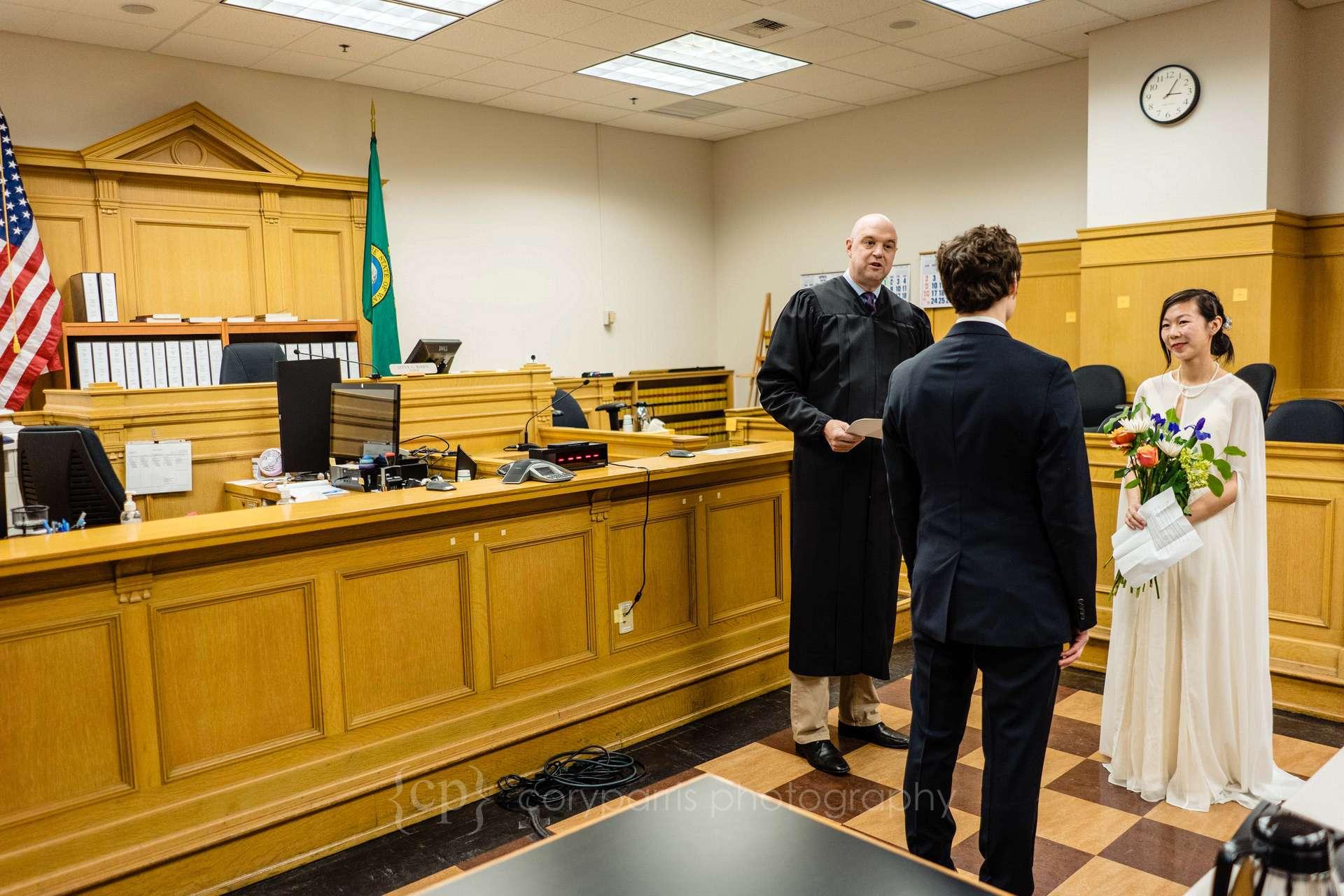 042-Seattle-elopement-photographer.jpg