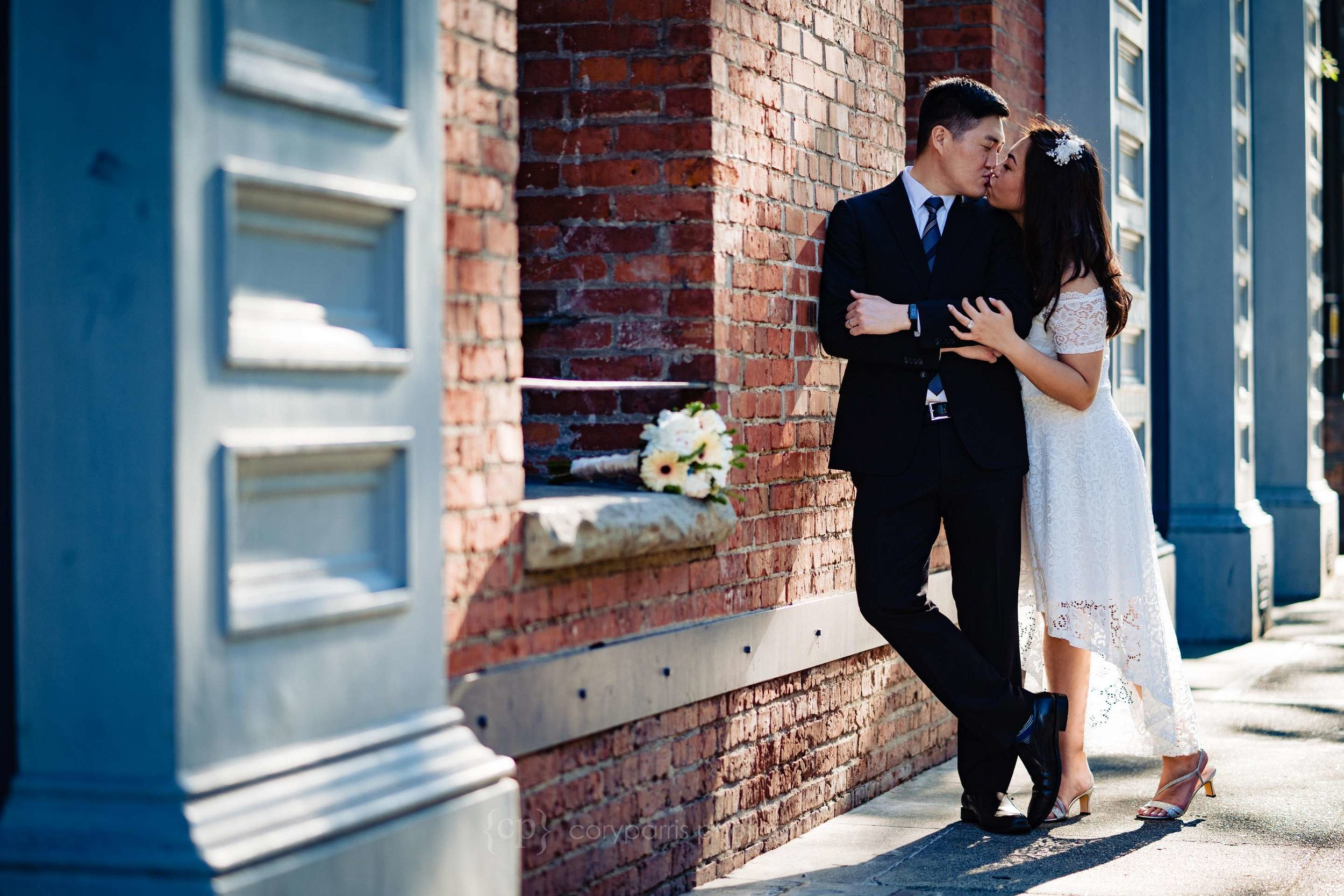 523-Seattle-Elopement-Courthouse.jpg