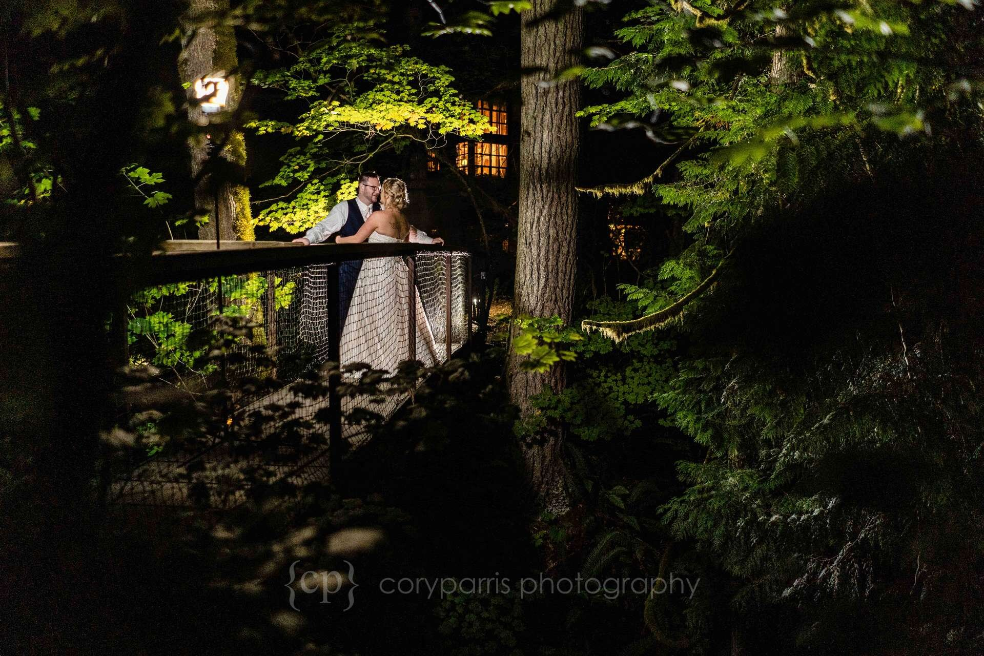 790-treehouse-point-wedding-photography.jpg