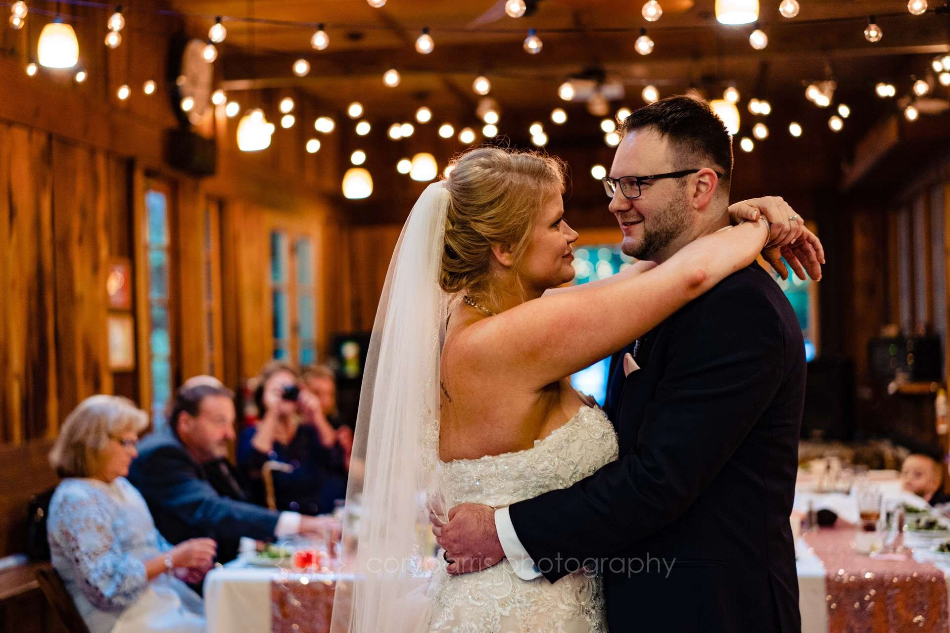 591-treehouse-point-wedding-photography.jpg