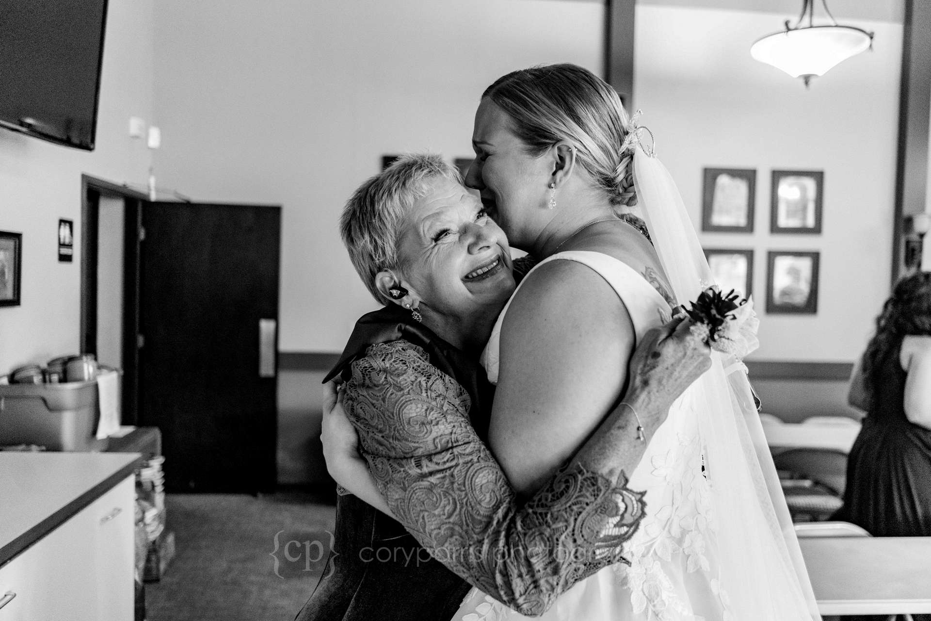 238-seattle-wedding-at-lake-union-cafe.jpg