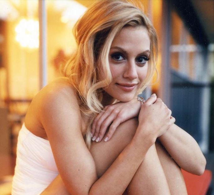 Brittany Murphy - Extremist  (Scorpio Moon)