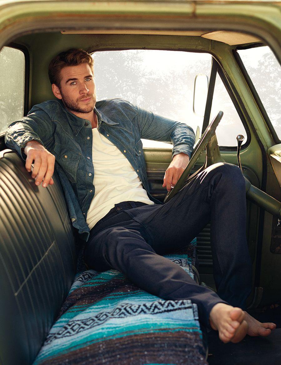 Liam Hemsworth - Mars in Sagittarius