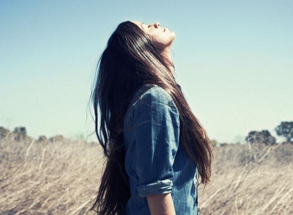 Alanis Morisette - Mercury in Cancer