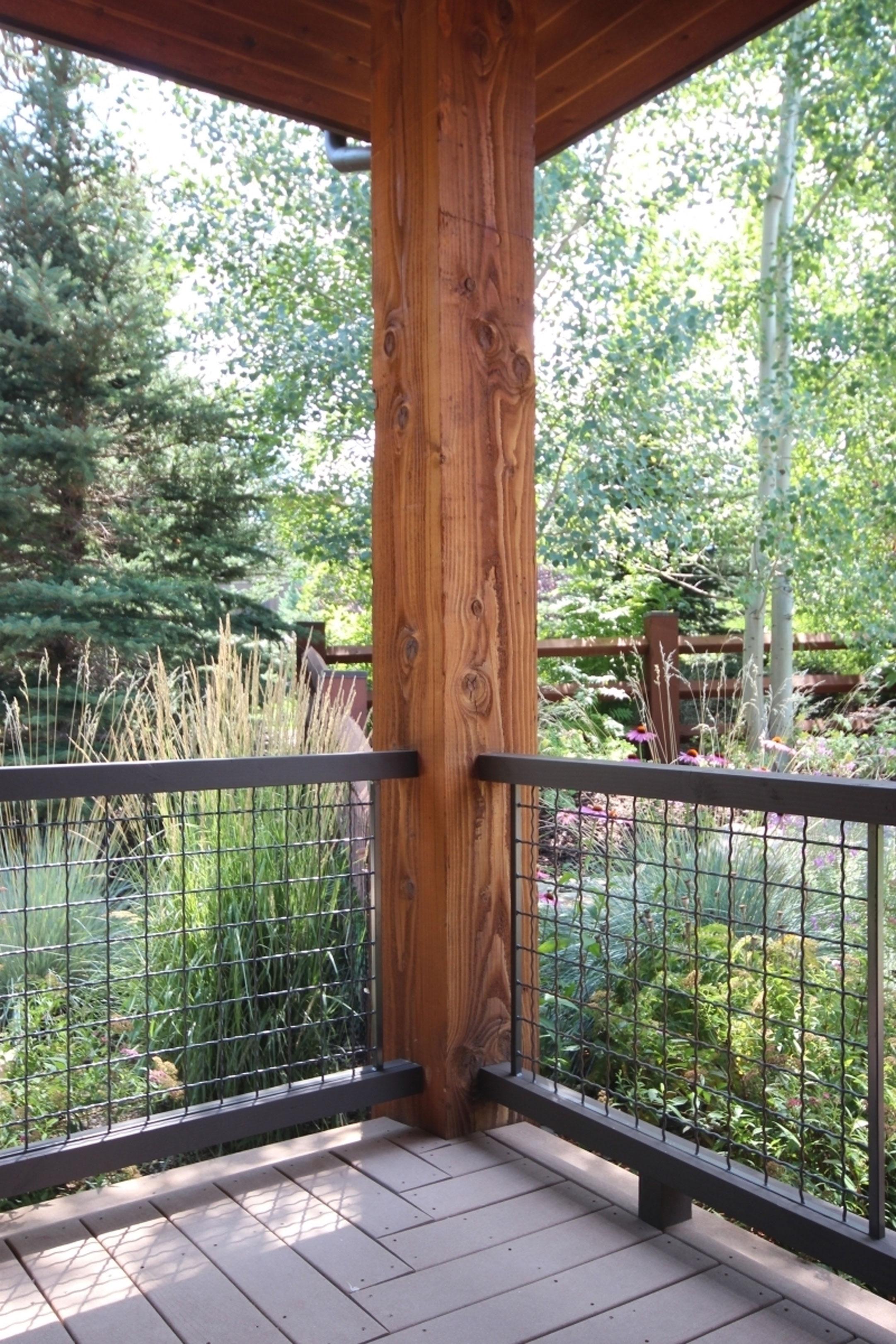 Exterior-Grid-and-Timber-Balustrade-5.jpg