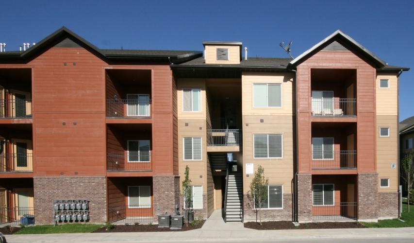 apartment-building-steel-concrete-3.jpg