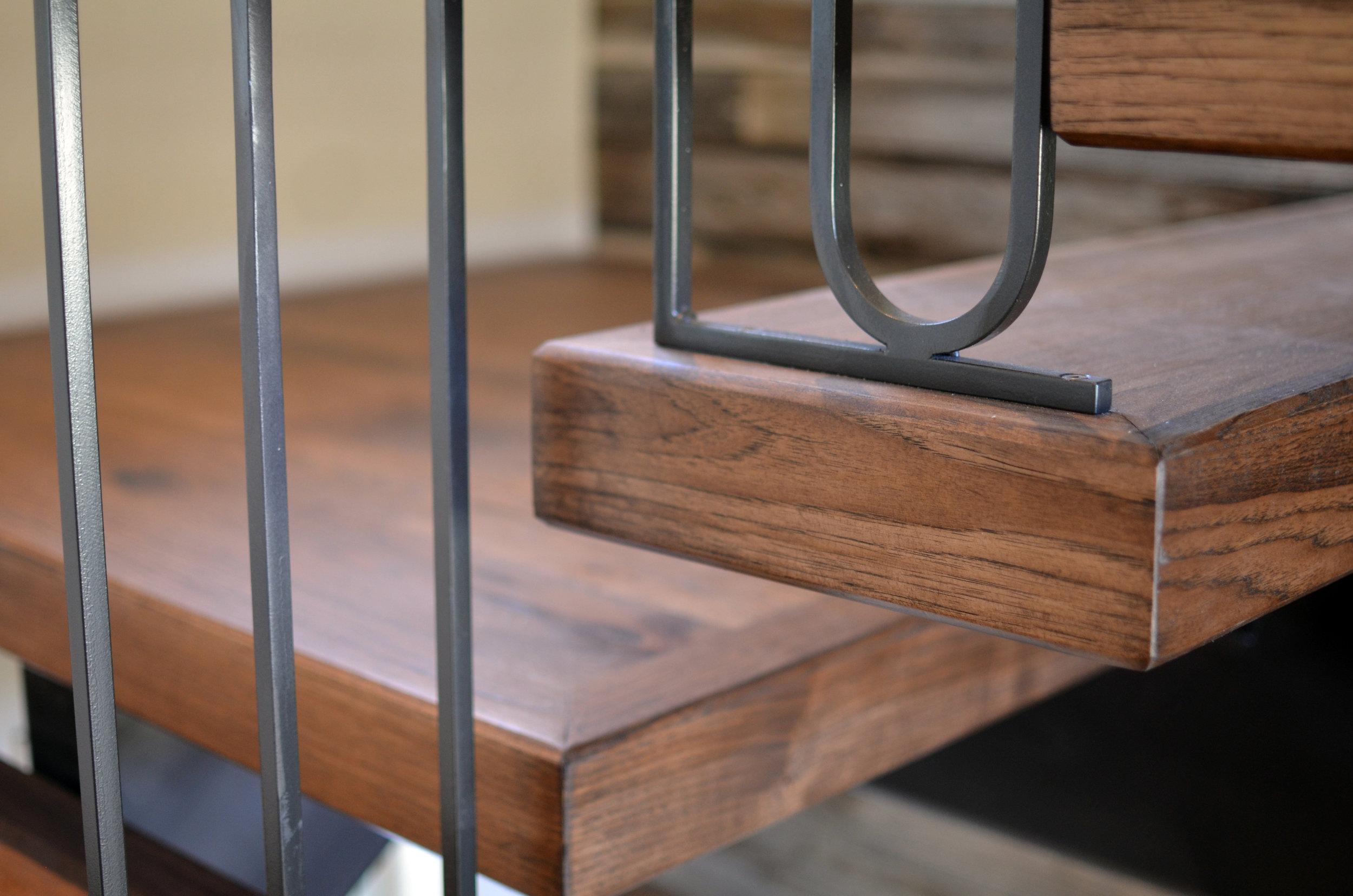 Interior Single Stringer Hickory Treads McDonald (7).jpg