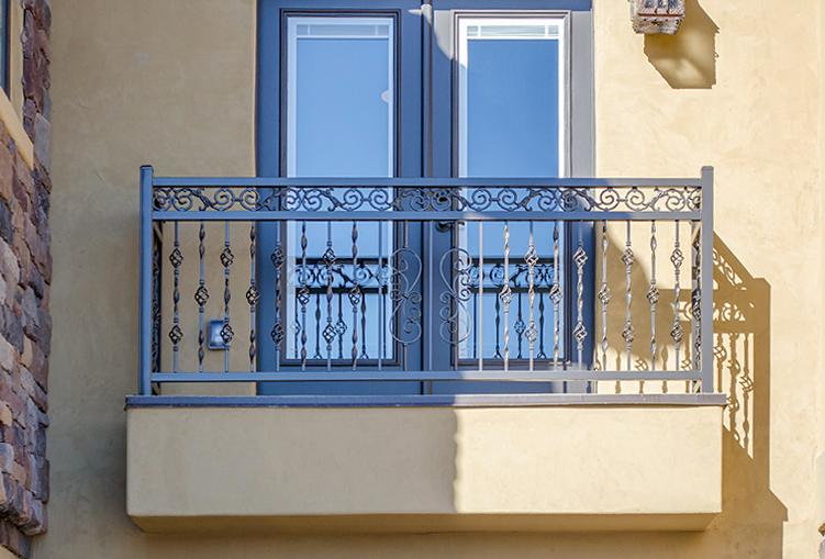 home1_railing_900g.jpg