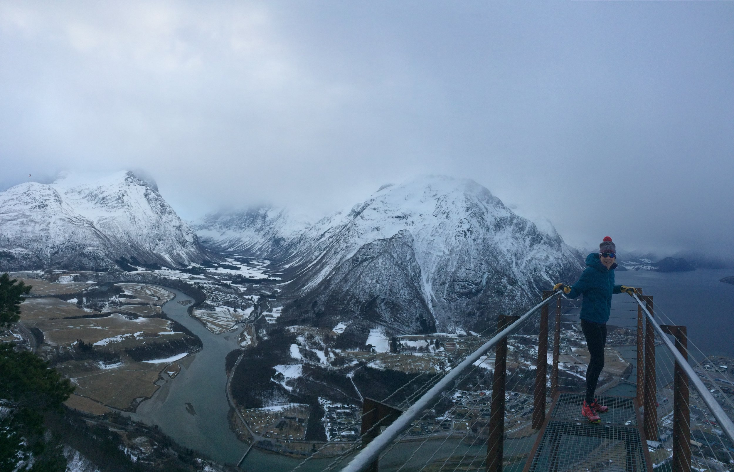 A student recommended after-school hike to Romsdalseggen in Åndalsnes.