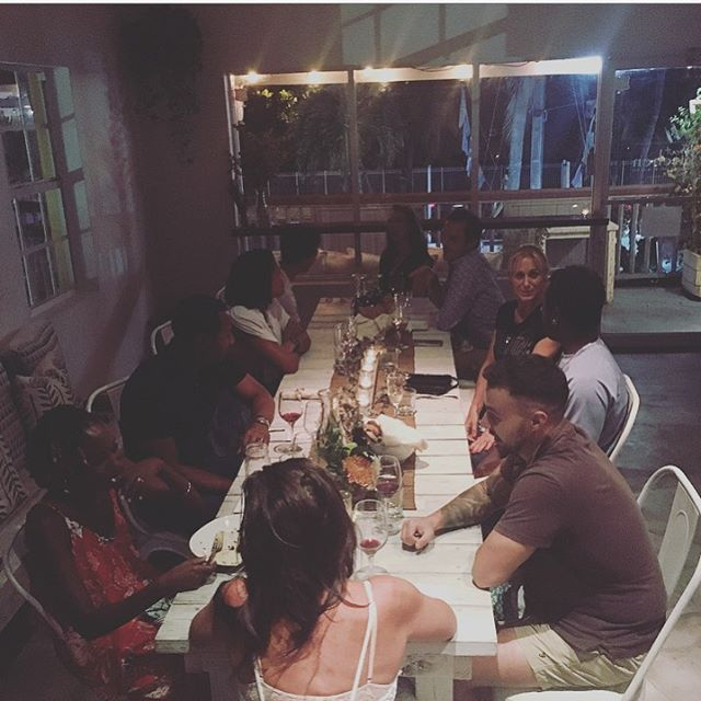 Thank you, thank you, thank you! Feeling a whole lot of gratitude for these special nights ✨ Everyone sharing a space, a dinner table, meeting for the first time or joining friends and breaking #glutenfree bread 😉, together. 🙌 #vegandinnerseries #popupdinner #retreatkitchen #turksandcaicos #events #plantbased #catering #communitytable #community #newfriends #oldfriends 🧡 @loliandlife @linstci
