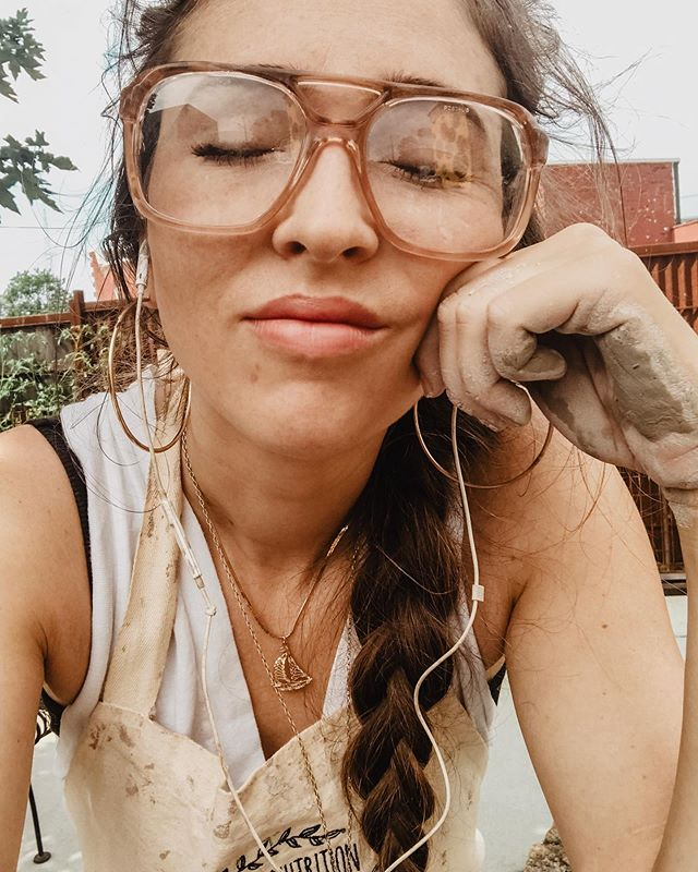 Clay glaze expectation vs reality is a bitch 😩🥴 @gemini_spirit_pottery • Good news is I found these safety goggles and I really feel like they match my aesthetic. 😂😂😂🤓👴🏻 ya dig the grandpa vibes? (Ps Found them at the place I throw clay not a store😂) . #pottery #throwning #supportlocal #humansofjoy #liveauthentic l  #consciousliving #seekthesimplicity #livewithpurpose #livethoughtfully #slowliving #folktravel #createexplore #theartofslowliving #thriftedstyle #capsulewardrobe