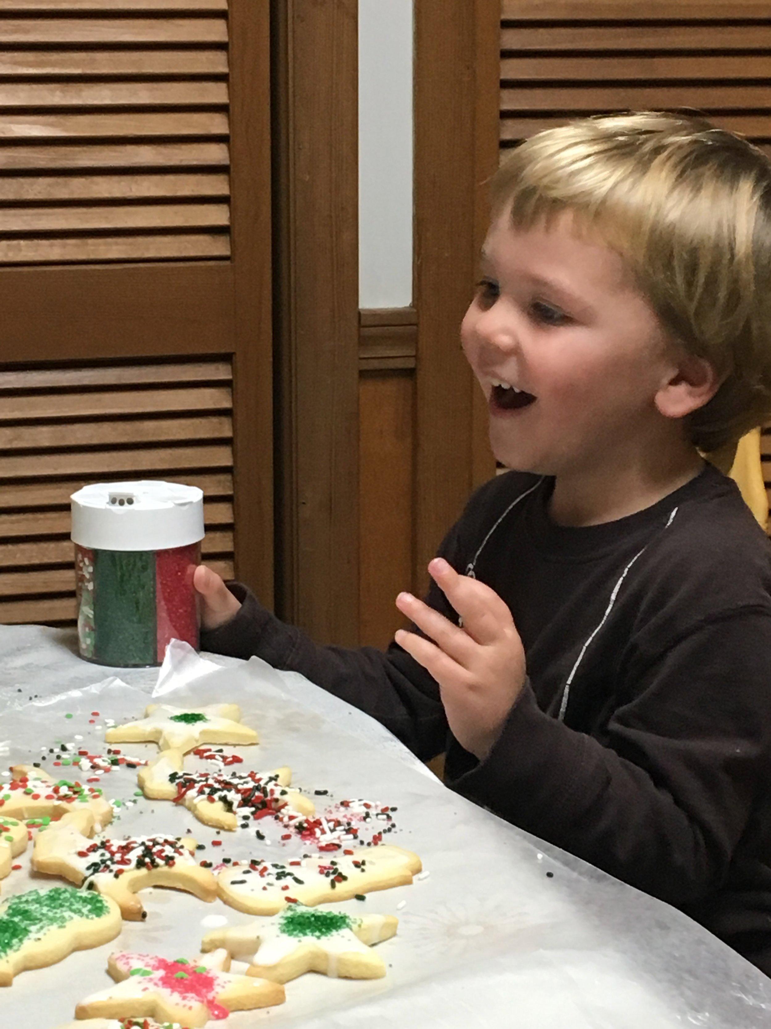 W51: Decorating cookies