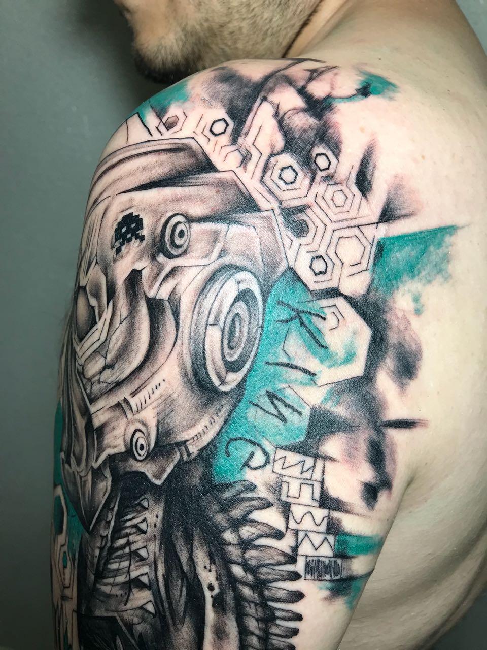 Lou_Tattoo_06.jpg