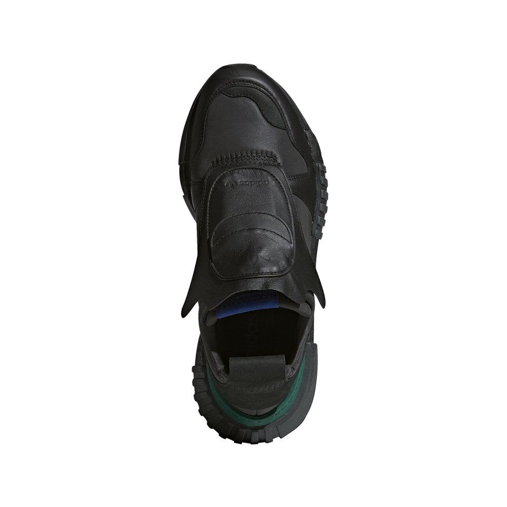Independencia Aclarar Realista  Adidas Futurepacer in Black — MAJOR