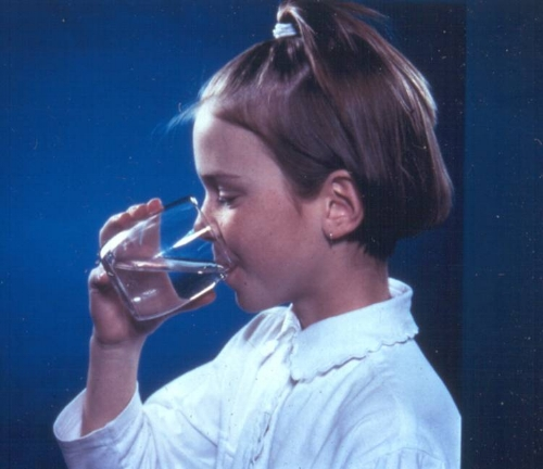 Elsa Drinking Water Young Girl