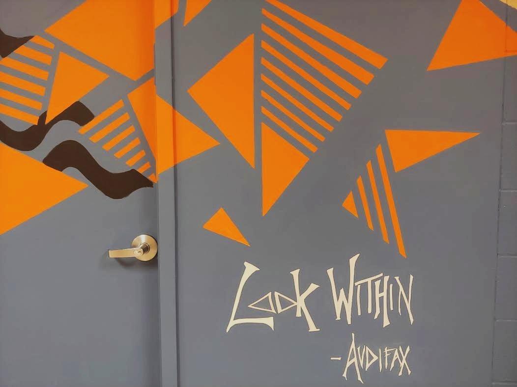 Detention Center Mural Audifax Triangles.jpg