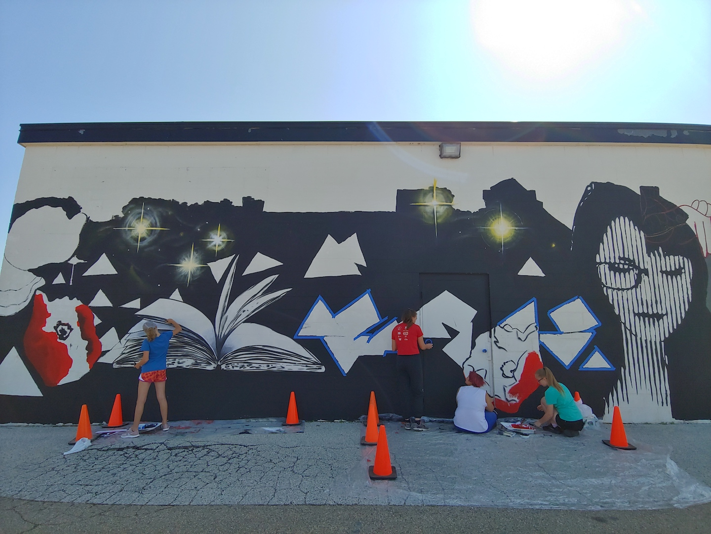 TeensWorking Chilton Mural.jpg